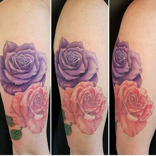 Some beautiful roses in progress by @joshhingston11