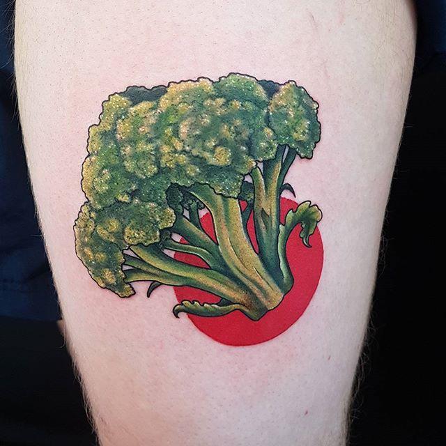 Eat your greenz by @joshhingston11.      @yayofamilia