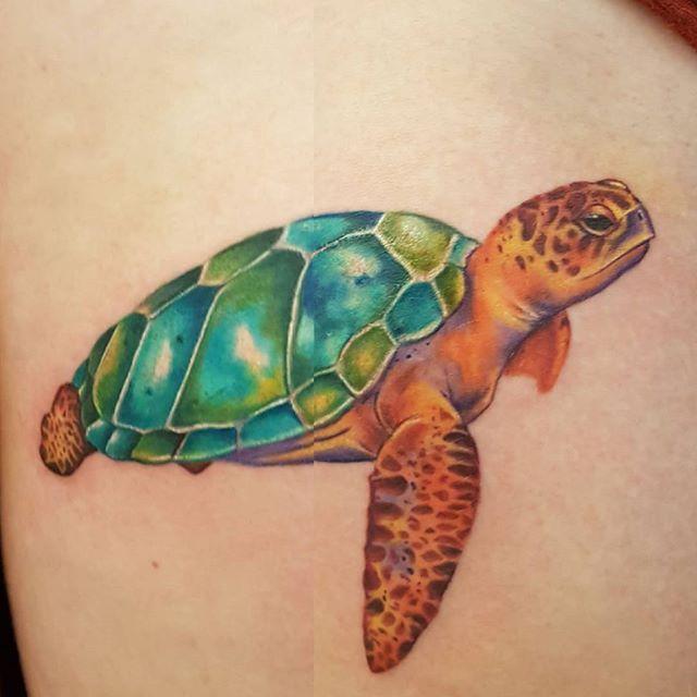 Sea turtle by @joshhingston11.   @eternalink @yayofamilia  @ezcartridgecouk @jurassiccoasttattooconvention