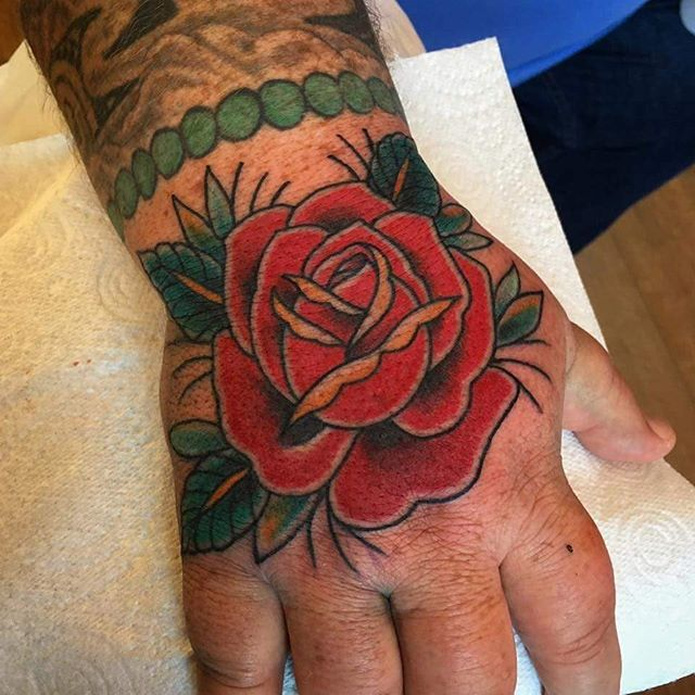 Traditional rose  hand jammer by @t.brooksnl.